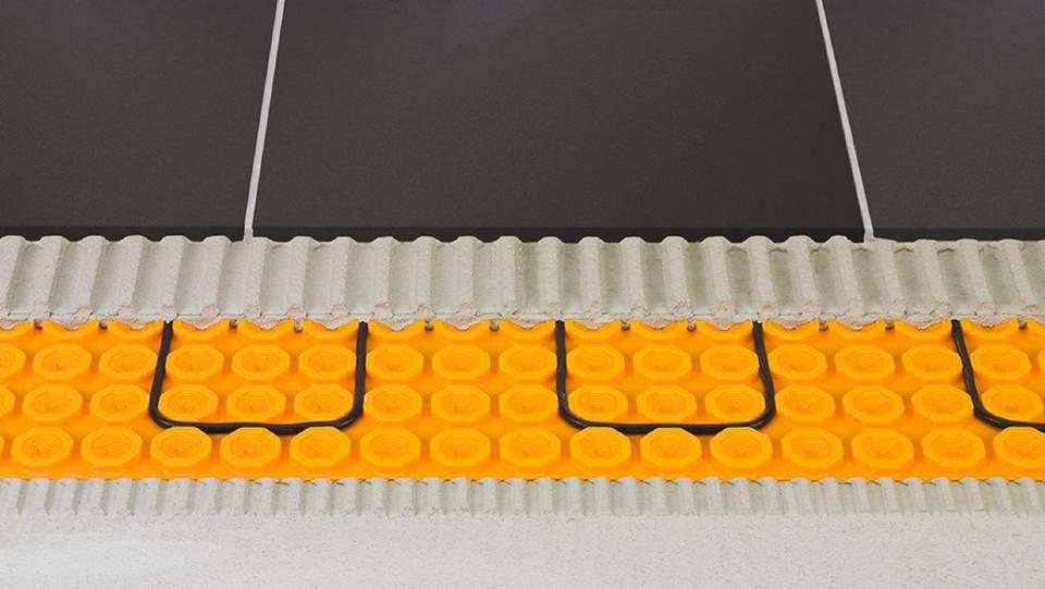 Schlüter®-DITRA-HEAT-E separuje pomocí osvědčené technologie DITRA